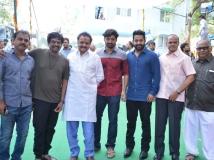 http://telugu.filmibeat.com/img/2016/04/kalyan-ram-movie-launch-666-29-1461924936.jpg