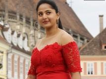 https://telugu.filmibeat.com/img/2017/10/anushka-shetty-651-27-1509087960.jpg