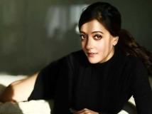 https://telugu.filmibeat.com/img/2018/02/raima-1519129812.jpg
