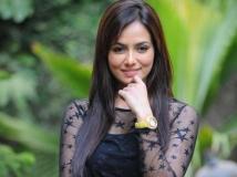 http://telugu.filmibeat.com/img/2018/03/sana-khan-684-1522477132.jpg