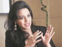 https://telugu.filmibeat.com/img/2018/12/swarna-bhaskar-66-1544444450.jpg