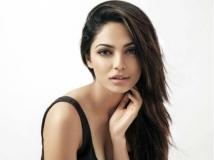 https://telugu.filmibeat.com/img/2019/02/shobitha-dhulipala-home-1551358300.jpg