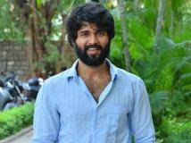 http://telugu.filmibeat.com/img/2019/04/vijay-deverakonda-interview-674-1555908058.jpg
