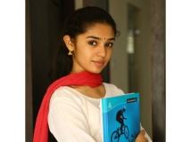 http://telugu.filmibeat.com/img/2019/05/krithishetty-1558179833.jpg
