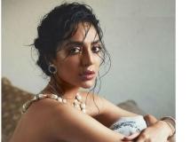 https://telugu.filmibeat.com/img/2019/06/shobita-home-1561559878.jpg