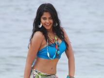 http://telugu.filmibeat.com/img/2019/08/bindu-madhavi-1-1564646824.jpg