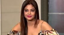 https://telugu.filmibeat.com/img/2020/05/meera-chopra-692-1588766035.jpg