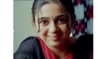 https://telugu.filmibeat.com/img/2020/07/charmi--333-1593771791.jpg