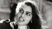 http://telugu.filmibeat.com/img/2020/10/silk-smitha-156930994590-1601719515.jpg