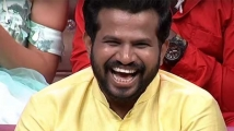 https://telugu.filmibeat.com/img/2020/11/sreemukhi-hyper-4-1605162313.jpg