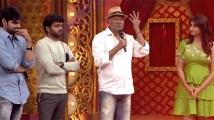 https://telugu.filmibeat.com/img/2021/03/gaali-sampath-team-3-1615374057.jpg