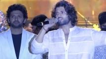 https://telugu.filmibeat.com/img/2021/03/vijay-speech-jathi-ratnalu-4-1615168978.jpg