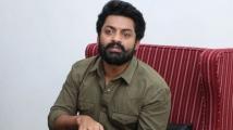 https://telugu.filmibeat.com/img/2021/05/kalyan-ram-5-1619950054.jpg