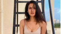 https://telugu.filmibeat.com/img/2021/07/sonal4-1626228281.jpg