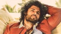 https://telugu.filmibeat.com/img/2021/09/vijay-deverakonda-794-1630922066.jpg