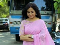 ఉదయభాను ఇష్యూ, మళ్లీ పెళ్లి, పర్సనల్ విషయాలపై... సింగర్ సునీత