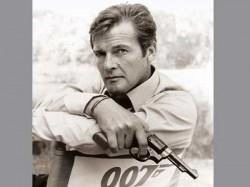 James Bond Roger Moore Dead