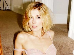 Rosamund Pike Was Asked Strip At Her Audition