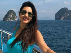 Pelli Sandadi Heroine Deepthi Bhatnagar Glamorous Pic Goes Viral