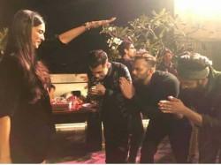 Deepika Padukone Blessing Ranveer Singh Karan Johar At Simmba Bash