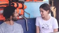 Viral Video Vijay Devarakonda Hugs Ananya Panday