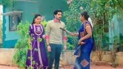 Deepa Aka Vantalakka Fires On Doctor Monitha And Doctor Karthik In Kartheeka Deepam